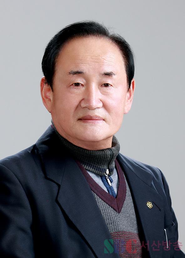 편세환 원장님 증명사진.jpg